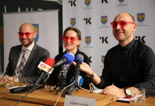 Klasyka przez różowe okulary