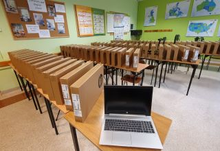 Laptop dla każdego nauczyciela liceum i szkoły zawodowej